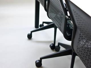 Designforyou Showroom Complesso d'uffici in stile industrial di Abitudinicreative Industrial