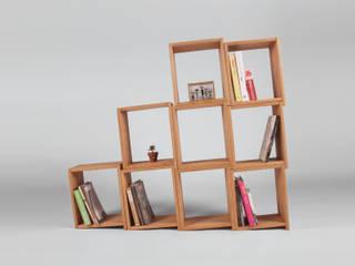 Slanted Bookshelf: 톤 퍼니처 스튜디오의
