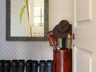 Country House, Hampshire Pasillos, halls y escaleras rurales de Helen Green Design Rural