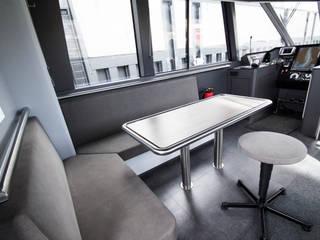 Behördenboot Moderne Arbeitszimmer von Squaring Modern
