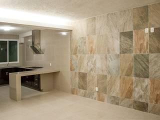 """Remodelacion Casa """"El Almendro"""" Paredes y pisos de estilo minimalista de zerraestudio Minimalista"""