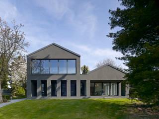 Vom 70er Jahre  Bestandsbau zum eleganten Einfamilienhaus:  Häuser von Sto SE & Co. KGaA