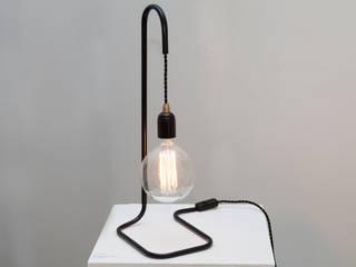 """Lampe à poser """"Plombière"""" monte et baisse:  de style  par Daniel Gallo - Editions MD"""