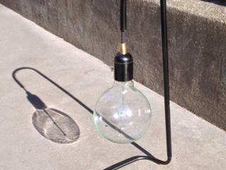"""Lampe à poser """"Plombière"""":  de style  par Daniel Gallo - Editions MD"""