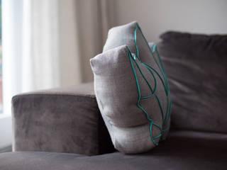 Schönes Profil: Kissen von der Seite: skandinavische Wohnzimmer von Nähjournal 'Sauber eingefädelt'