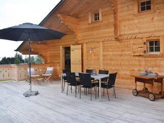 The Swiss Chalet:  de style  par ank interior design