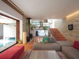 深沢S邸 モダンデザインの リビング の 遠藤誠建築設計事務所(MAKOTO ENDO ARCHITECTS) モダン
