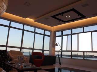 Leles Arquitetura e Iluminaçãoが手掛けたリビング,
