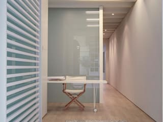 Minimalist Çalışma Odası Lara Pujol | Interiorismo & Proyectos de diseño Minimalist