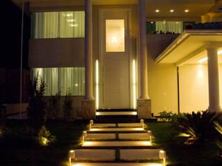 Maisons de style  par Leles Arquitetura e Iluminação,