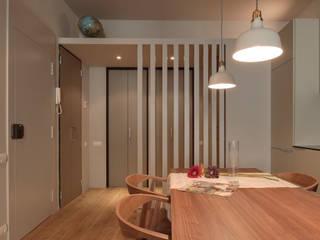 di Lara Pujol | Interiorismo & Proyectos de diseño Moderno