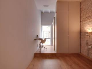 Lara Pujol  |  Interiorismo & Proyectos de diseño: modern tarz , Modern