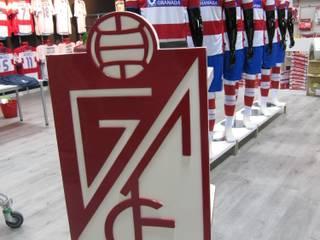 Tienda Oficial Granada C.F. de Panatta Diseño Comercial Moderno