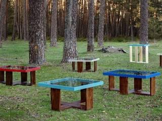 Mesas en nuestro entorno. :  de estilo  de MUEBLES DE LA GRANJA