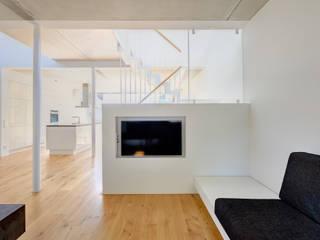 Living room by Möhring Architekten