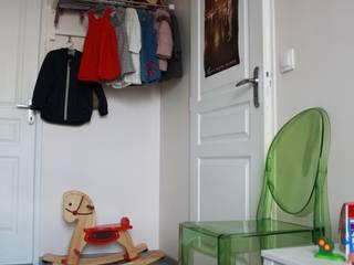 Une chambre pour Charles et Lucie: Chambre d'enfant de style  par Geraldine Carbillet ARCHITECTURE INTERIEURE