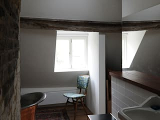 Tanners Hill:  Bathroom by The Modern House