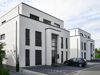Stadtvillen Dortmund-Kirchhörde Moderne Häuser von Architekturbüro Carsten Voit Modern