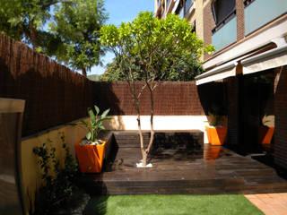 Jardin privado en Viladecans, Barcelona Jardines de estilo moderno de Paisajismo Digital Moderno