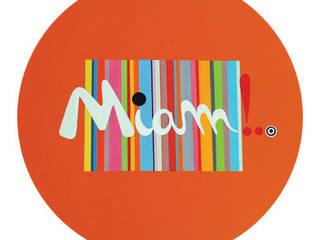 Miam: Salon de style de style Moderne par Brand Valerie
