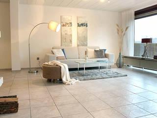 Home Staging Projekt Elmshorn/Pinneberg: moderne Wohnzimmer von wohnhelden Home Staging