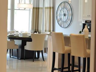 CAMPBELL HOUSE – EDMONTON – ALBERTA – CANADA: Sala da pranzo in stile in stile Classico di Ceramica Fioranese