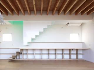 閉じる階段 北欧スタイルの 玄関&廊下&階段 の WAA ARCHITECTS 一級建築士事務所 北欧