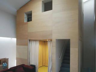 ハコノナカノハコノイエ オリジナルスタイルの 玄関&廊下&階段 の Kondohideo Architects co,;ltd. オリジナル