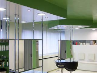 Restyling di un salone di parrucchiera di Zoli Gian Luca Moderno
