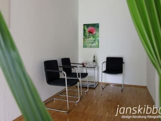 Büro:  Bürogebäude von JAN SKIBBA DESIGN