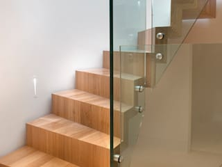 Chelsea de Smet UK - Staircases Moderno