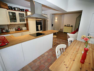 Money Saving Loft and Extension project A1 Lofts and Extensions Cocinas de estilo moderno