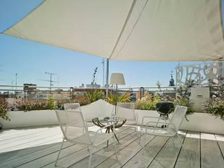 CASA LL: Terrazas de estilo  de Manuel Ocaña Architecture and Thought Production Office