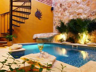 Koloniale Pools von Arturo Campos Arquitectos Kolonial