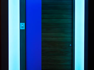 Colour changing LED Light Sheet adds a contemporary twist to the entrances of a Georgian London townhouse Modern windows & doors by Applelec Modern