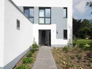 Classic style houses by AIB - Architektur - Ingenieurbüro Billstein - Köln Classic