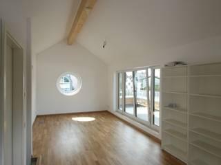 Haus T - Neubau EFH - KFW 70 Standard : klassische Häuser von AIB - Architektur - Ingenieurbüro Billstein - Köln