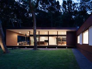 Casas modernas de atelier137 ARCHITECTURAL DESIGN OFFICE Moderno