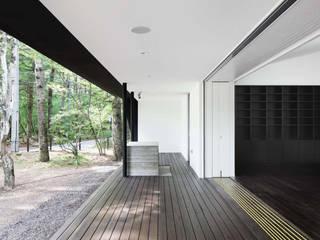 テラス~軽井沢Cさんの家: atelier137 ARCHITECTURAL DESIGN OFFICEが手掛けたテラス・ベランダです。