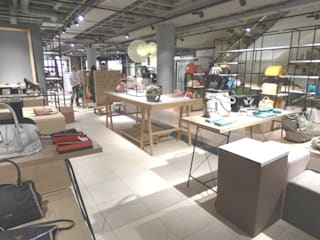 Ladeneinrichtung für ein Schuh,-und Ledergeschäft in Bad Reichenhall:  Ladenflächen von Möbel-Tischlerei Jens Zöllner