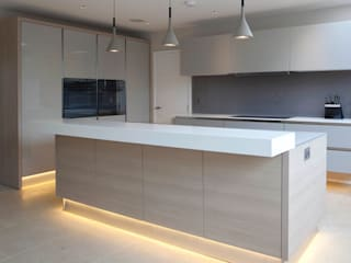 modern Kitchen by cu_cucine