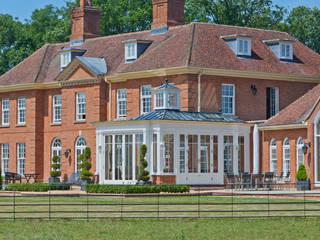 A Light Filled Sitting Room Conservatory Oleh Vale Garden Houses Klasik