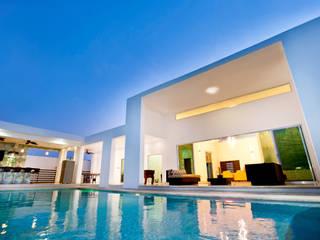 Casa Temozón 17 Balcones y terrazas modernos de Arturo Campos Arquitectos Moderno