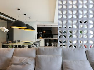 ZAAV-Apartamento-Interiores-1322: Salas multimídia  por ZAAV Arquitetura,