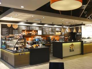 Mr. Bleck Coffeeshop / Erlangen Moderne Gastronomie von Pfriem-Innenarchitektur Modern