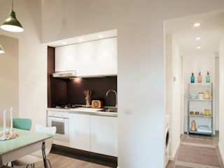 Ruang Keluarga Modern Oleh marta novarini architetto Modern