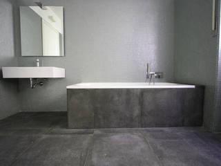 CASA C.DC: Bagno in stile in stile Minimalista di luca terraneo architetto