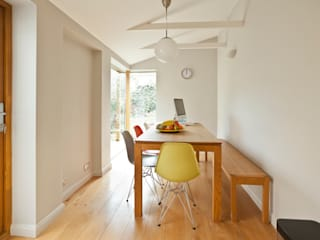 House remodelling in South Bristol:  Dining room by Dittrich Hudson Vasetti Architects, Modern