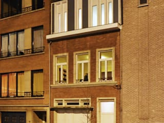 Vue de nuit:  de style  par Goffart Polomé Architectes