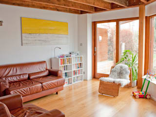 Architect's House in Bristol by DHV Architects:  Living room by Dittrich Hudson Vasetti Architects,